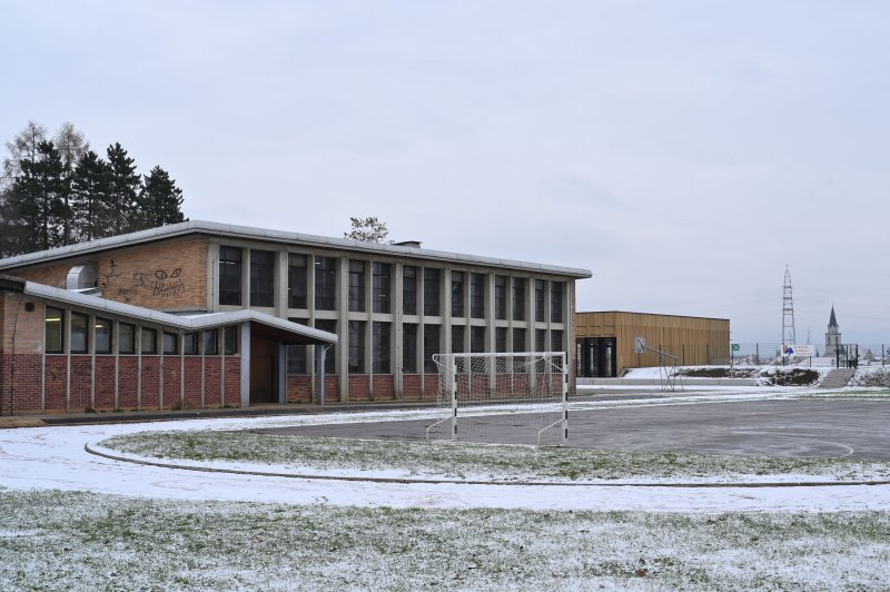 PRIMARY SCHOOL DESIGNED BY THE ARCHITECT DANILO FURST and NEW GYM