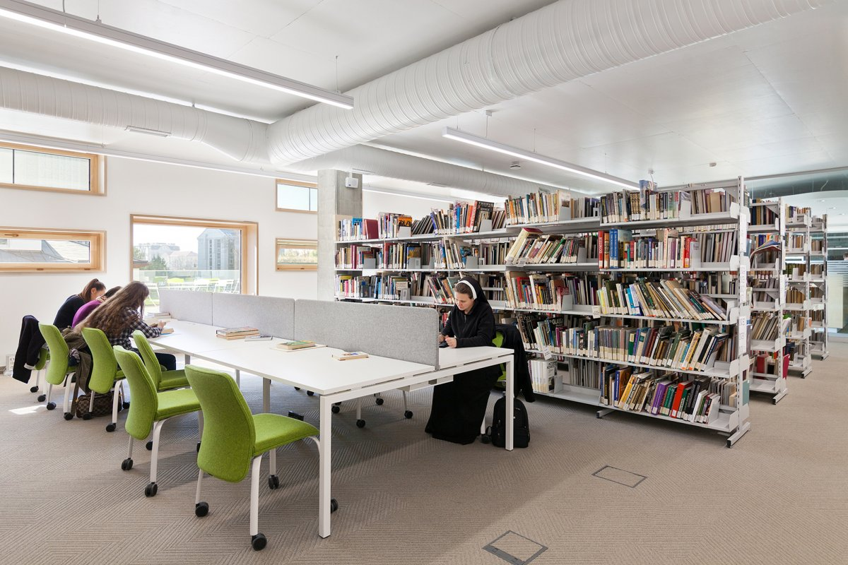 Bookstacks / Quiet study tables