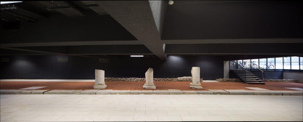 Archeology in the basement-a street of Roman Mursa
